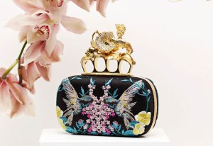 Alexander-McQueen-Embroidered-Apple-and-Hummingbird-Skull-Knucklebox-Clutch