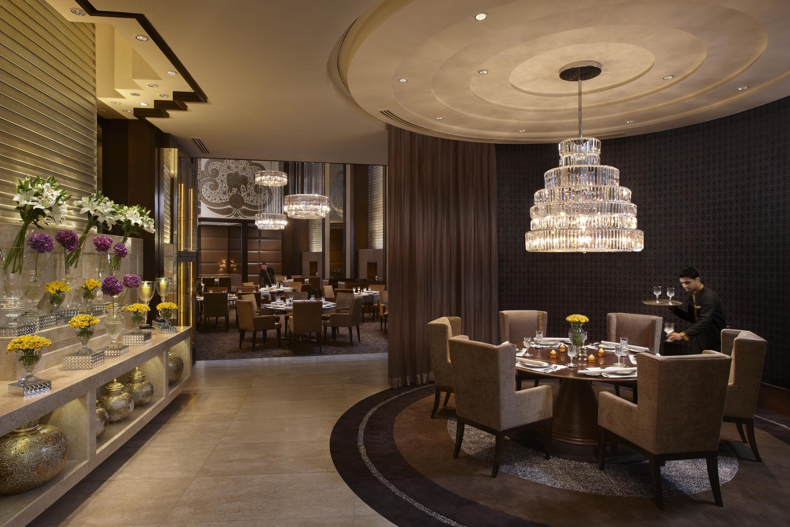 Review jamavar the leela palace new delhi style city - Royal kitchens new city ...
