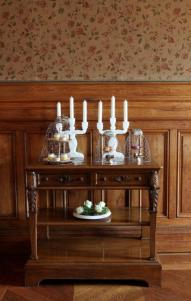 028_dining room side table,Chateau de Varennes