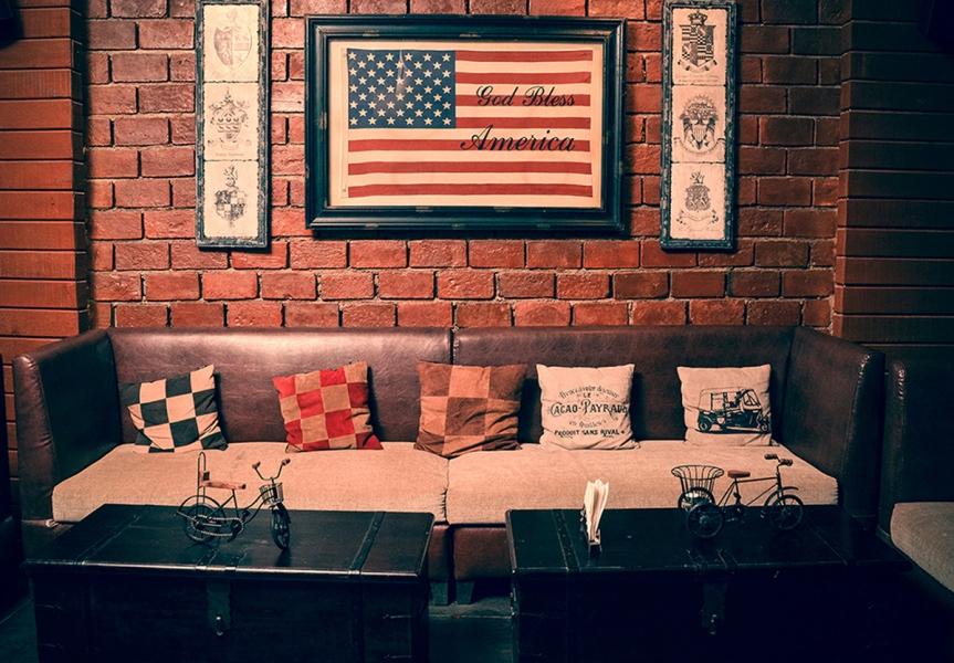 Moonshine Cafe &  Bar, www.stylecity.in