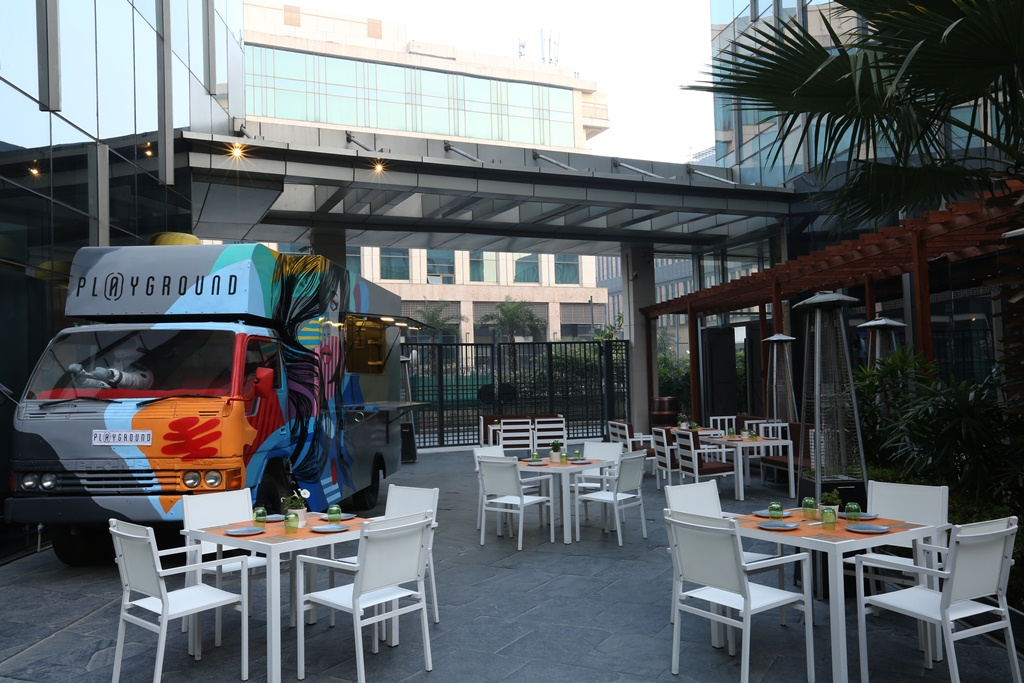 Food Truck in Alfresco 1
